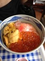 ウニ・海老・いくらの三色丼