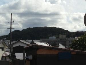 寺町通りの安国寺から見る米子城