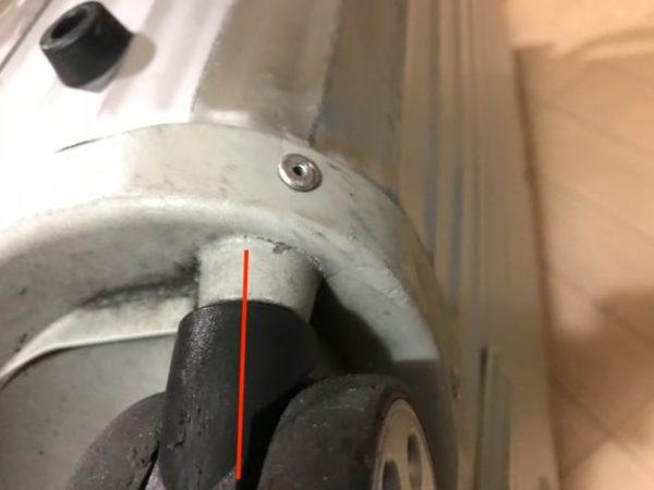 リモワ表参道店の修理サービスで車輪を修理(交換)してもらいました。